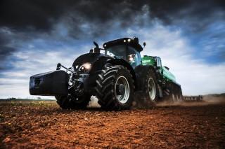brazilian field tractor