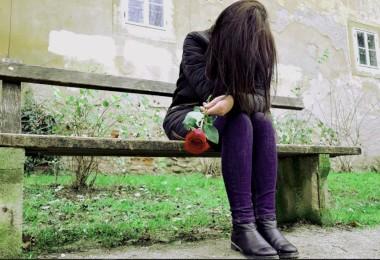 mental health struggling girl